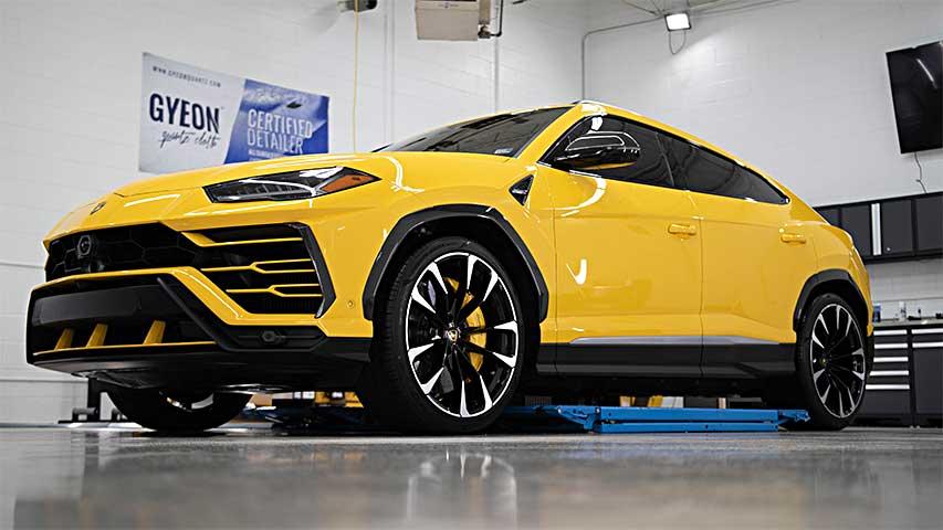 Lamborghini Urus Simple Details